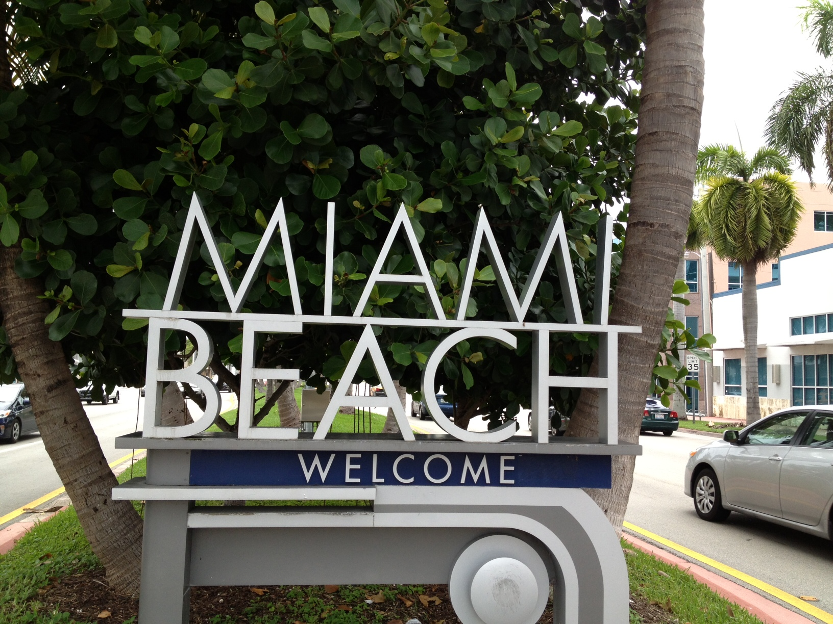 Buy the Beach Realty! Miami Beach Real Estate! Miami Beach Real Estate ...: buybeach.com